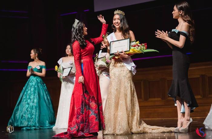 Hồ Đại Gia Bảo nhận vương miện hoa khôi danh giá trong giây phút đăng quang