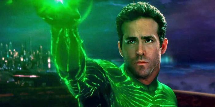 Thất bại trong Green Lantern ít ra cũng trở thành điểm mua vui trong Deadpool 2.