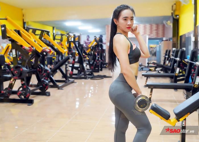 Kim Nguyên luôn tự tin với vóc dáng cực đẹp nhờ chăm chỉ tập Gym mỗi ngày.
