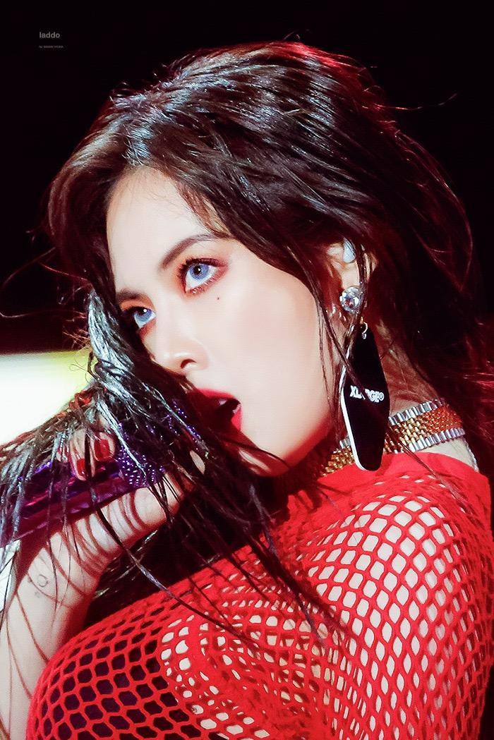"""Cuối cùng, sau nhiều ngày chờ đợi thì hôm nay fan đã có thể """"mở tiệc ăn mừng"""" vì HyunA đã chính thức """"thoát"""" khỏi CUBE rồi."""