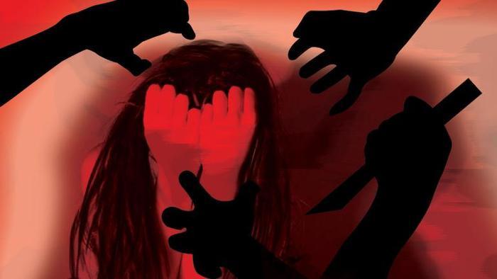Cô gái trẻ bị một nhóm thanh niên 10 người hãm hiếp tập thể đến 2 lần chỉ trong 1 đêm.