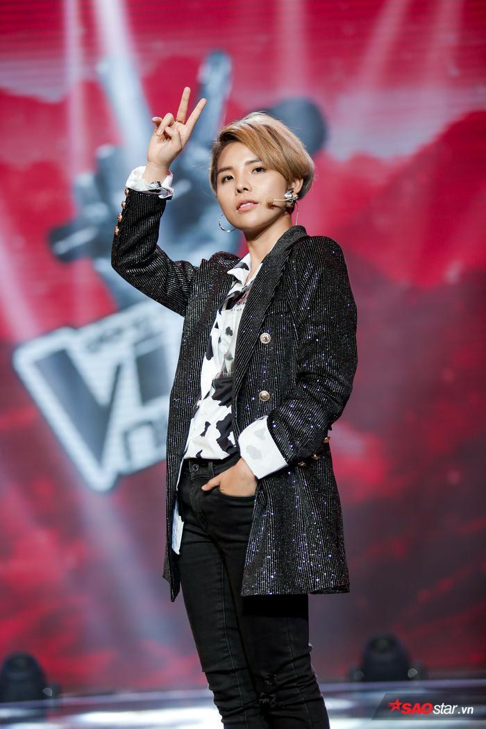 Đây là phản ứng đáng yêu của Soobin Hoàng Sơn khi Vũ Cát Tường hát Leader cùng dàn trò cưng Giọng hát Việt nhí