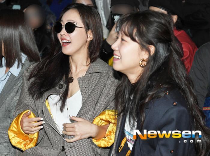 'Chị đại' Gong Hyo Jin cùng Ji Yeon, Hyomin và Qri của T-ara tham dự 'Hera Seoul Fashion Week' ngày 2