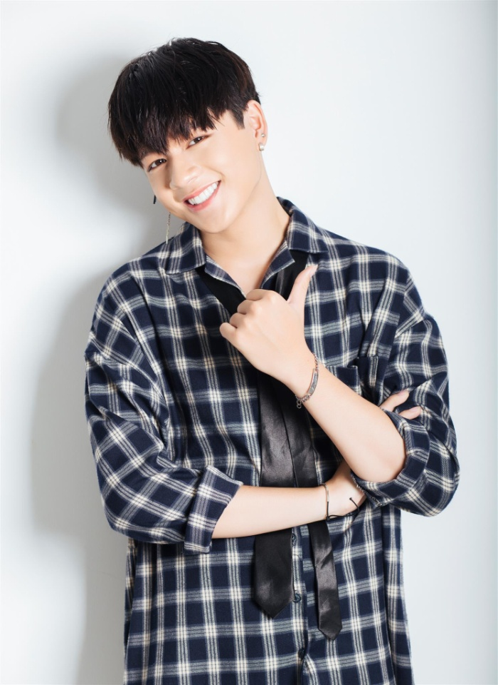 Leo – Zero 9 đốn tim các fangirl bởi nụ cười rạng rỡ sau khi bọc răng sứ.