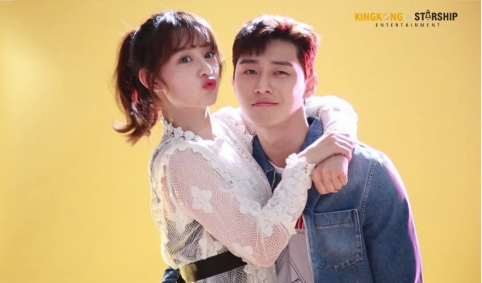 """Kết hợp cùng Park Seo Joon trong """"Fight For My Way""""."""
