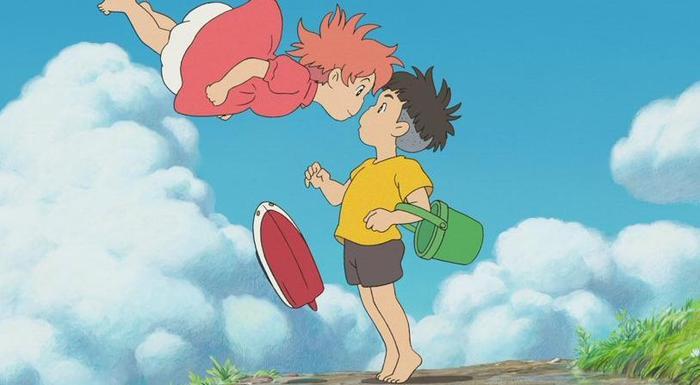 Cô bé cá vàng Ponyo luôn khát khao cháy bỏng được làm người và được ở bên cạnh Sosuke.