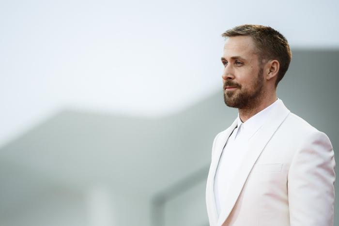 Với vẻ ngoài lịch lãm cùng ánh mắt hút hồn, Ryan Gosling có làm bạn xiêu lòng?