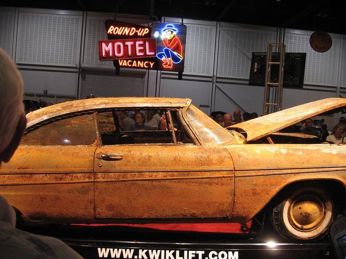 Đem siêu xe đi chôn để 50 năm sau thành kho báu, nhưng khi đào lên thì ai cũng hết hồn ảnh 7