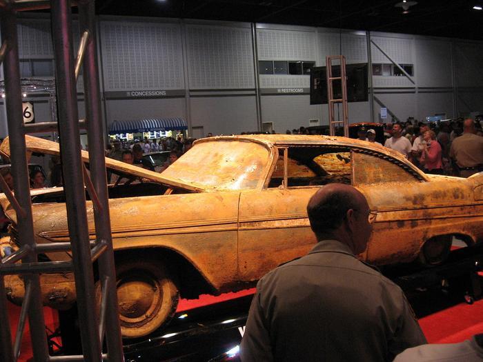 Đem siêu xe đi chôn để 50 năm sau thành kho báu, nhưng khi đào lên thì ai cũng hết hồn ảnh 8