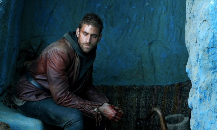 Oliver Jackson-Cohen trong Emerald City.