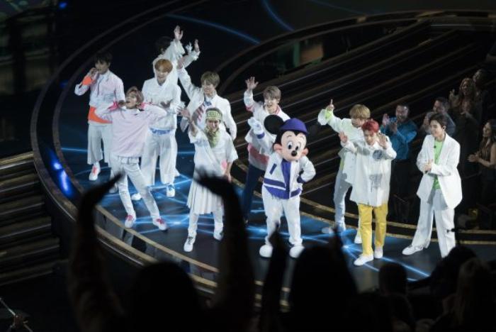 NCT 127 nhận được sự hưởng ứng nhiệt tình từ khán giả Mỹ.