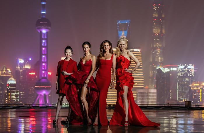 Tứ đại mỹ nhân Âu - Á đọ sắc giữa trời đêm Thượng Hải