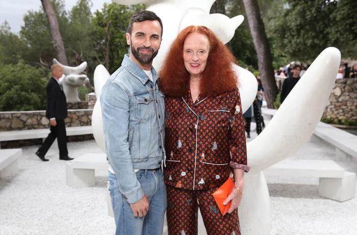 NTK Nicolas Ghesquière - Giám đốc Sáng tạo của Louis Vuitton cùng bà Grace Coddington - cựu Giám đốc Sáng tạo của Vogue Mỹ đã cho ra mắt bst lấy cảm hứng từ thú cưng