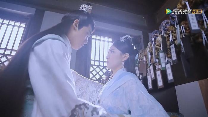 Mặc Liên Thành vẫn ân chuẩn giao phó Khúc Đàn Nhi hầu hạ Lưu Thương nhưng có vẻ sự đồng ý của anh chàng này có mưu đồ phía sau.