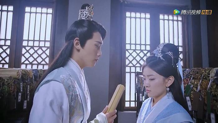 Mặc Liên Thành vốn chưa hề tin tưởng Lưu Thương tuyệt đối mặc kệ Lưu Thương đã nhiều lần giải nguy cho anh hay liên tục đảm bảo về lòng trung thành của mình.