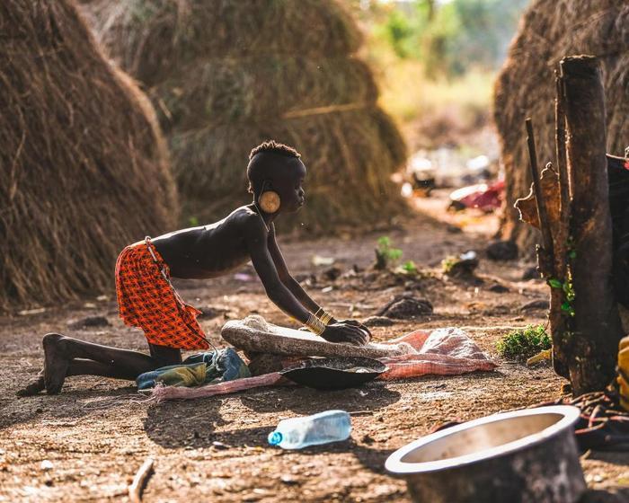 Khu vực sinh sống của người Mursi là một trong những khu vực bị cô lập nhất ở Ethiopia.