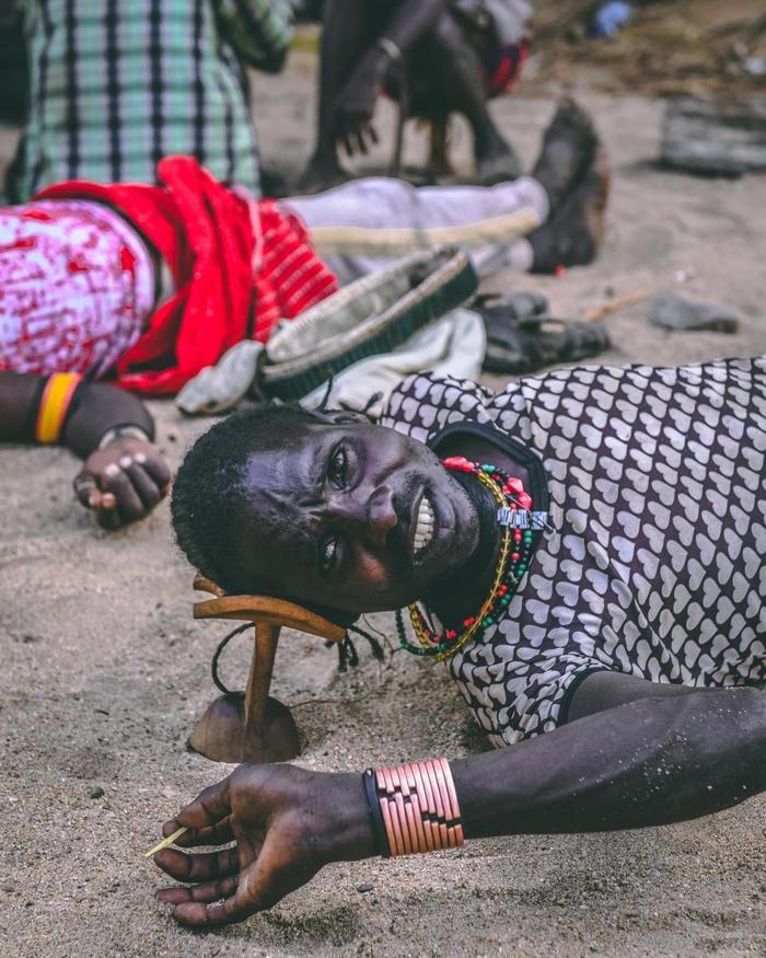 Một thành viên của bộ lạc Mursi, người không thích bị chụp ảnh, theo lời kể của nhiếp ảnh gia. Pongtharin