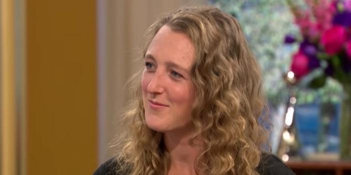 Amethyst Realm chia sẻ rằng cô vừa nhận được lời cầu hôn từ một con ma. Ảnh: ITV This Morning