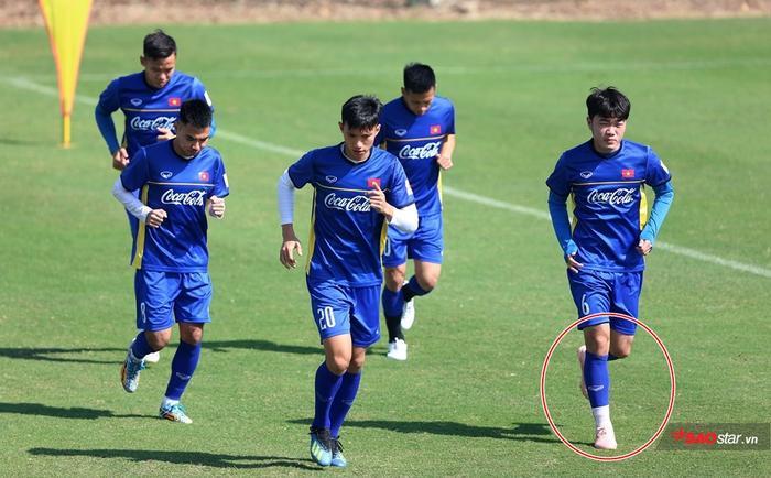 Lương Xuân Trường mang đôi Adidas Predator 18.