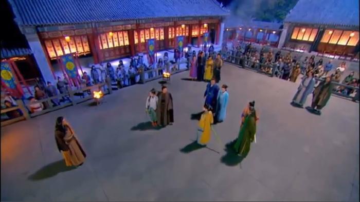 Họp đại hội võ lâm chỉ chia thành một phe đánh nhau còn một phe ăn uống hóng chuyện
