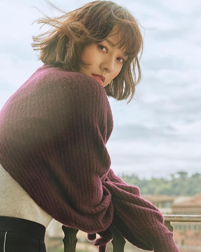 20 năm đã trôi qua, Lee Hyori tóc nâu môi trầm làm fan xốn xang 'Yêu lại từ đầu' ảnh 7