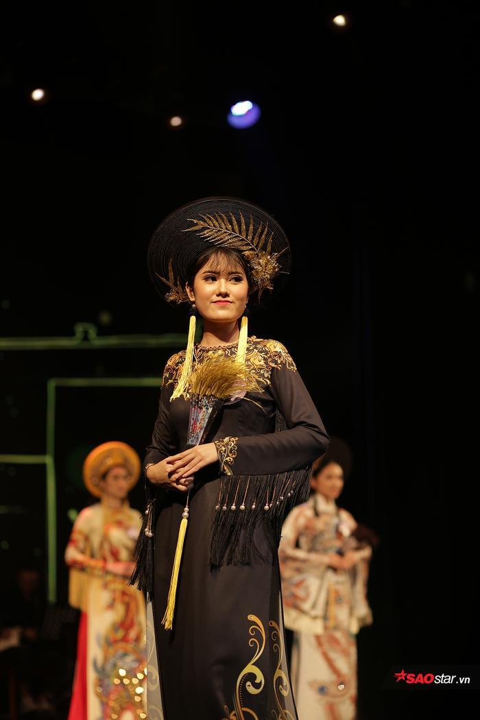 Á khôi 1 Nguyễn Thị Hồng Ánh