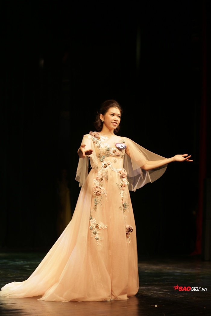Phạm Trang Nhung giành giải thí sinh trình diễn trang phục dạ hội đẹp nhất