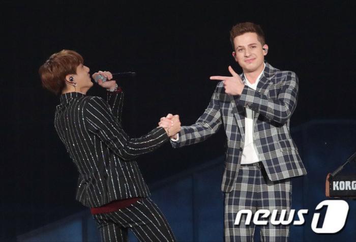BTS JungKook vàCharlie Puth trên sân khấu MGA 2018.