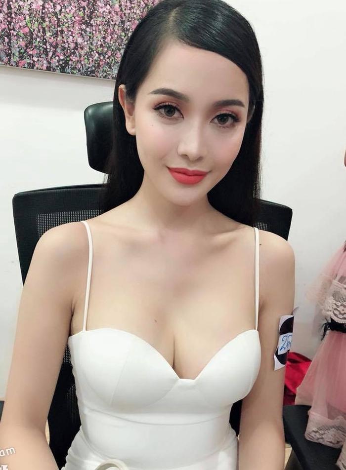 Nguyễn Phương Vy sở hữu nét đẹp ngọt ngào, quyến rũ…