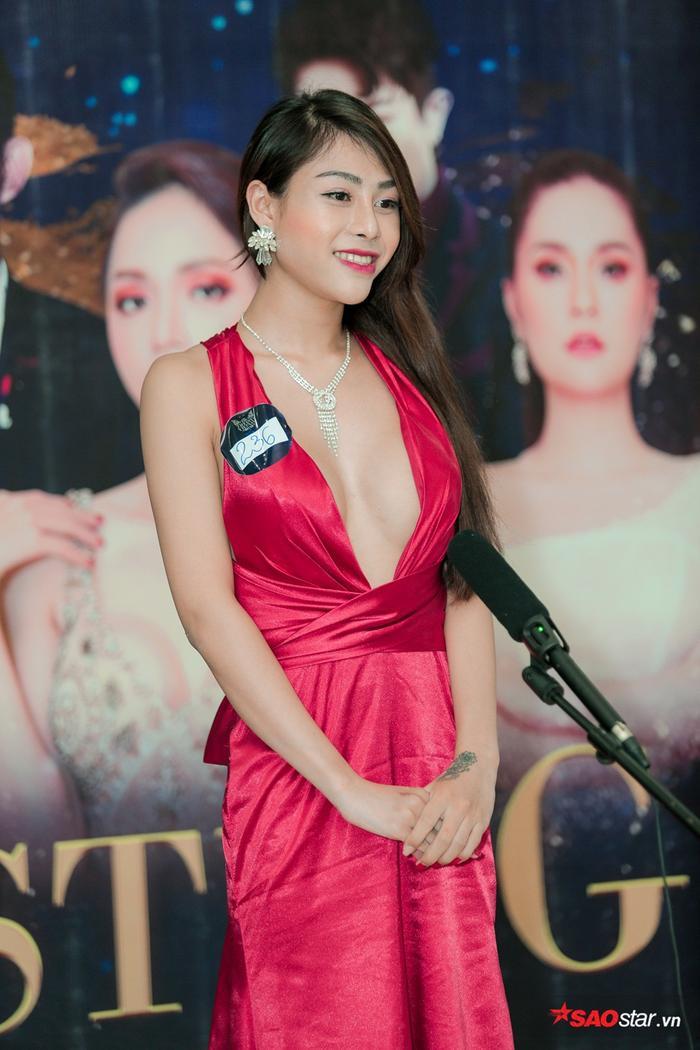 Linh Mỹ Nhi sinh năm 2000 và là 1 FJ khá có tiếng tại Đà Lạt.