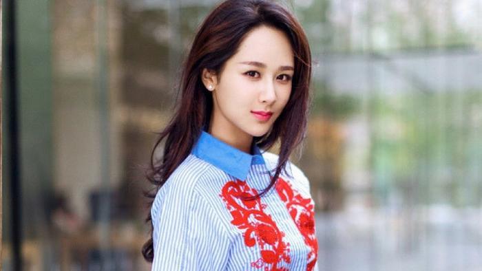 Đạt được Thị hậu Kim Ưng, Địch Lệ Nhiệt Ba sánh ngang với Ảnh hậu Kim Mã  Châu Đông Vũ, đứng đầu thành tích tiểu hoa 9X ảnh 14