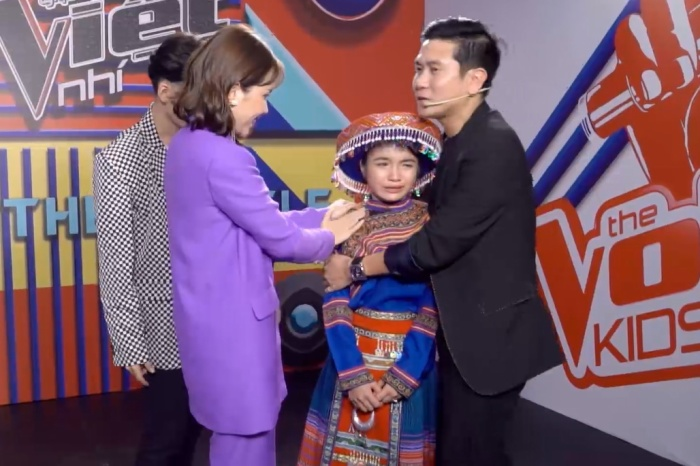 Thanh Hằng là thí sinh được cứu ở đội Hồ Hoài Anh - Lưu Hương Giang.