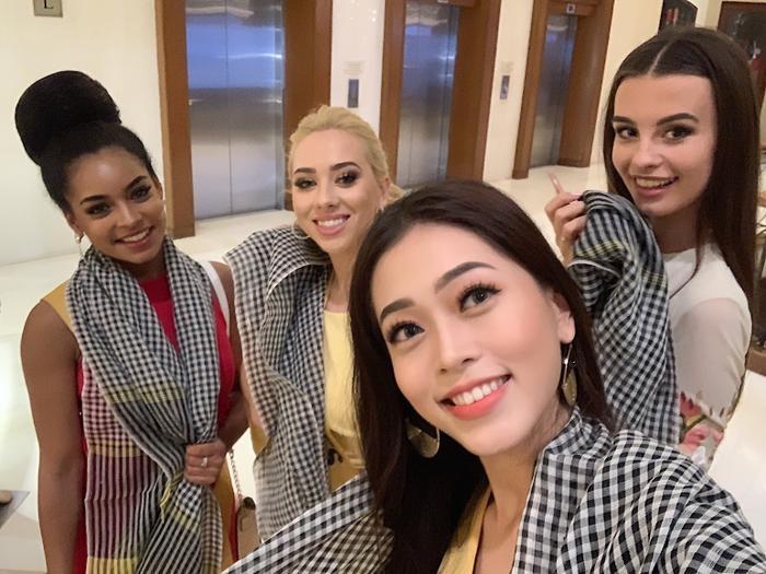 Bùi Phương Nga đã mang cả văn hóa Nam Bộ cụ thể là chiếc khăn rằn dành tặng cho các thí sinh tại Miss Grand International 2018 thể hiện sự thân thiện về một Việt Nam gần gũi, thiện chí.