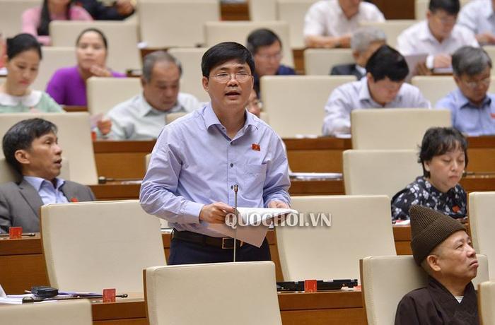 Đại biểu Quốc hội Nguyễn Tuấn Anh (đoàn Long An) nêu ý kiến (Ảnh: quochoi.vn)