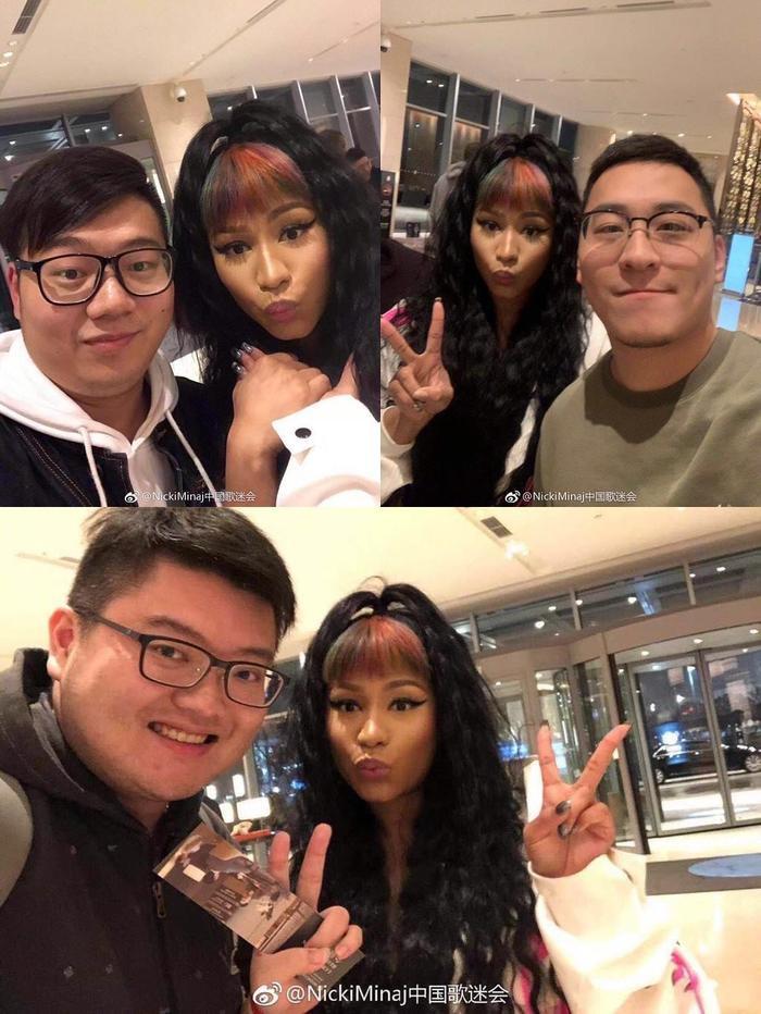 Ban tổ chức đổ hết tội lên đầu nữ rapper Nicki Minaj rằng cô bị bệnh nên phải hủy show, thế nhưng lúc sau Nicki Minaj lại có thời gian quây quần bên các fan hâm mộ châu Á thế này đây.