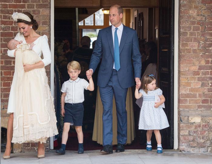 Hiện tại, Hoàng tử William và Công nương Kate đã về chung một nhà và có 3 con. Ảnh: PA