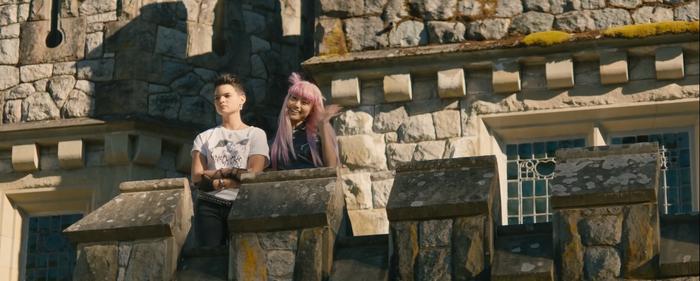 'Once Upon a Deadpool' tuổi teen tung trailer đậm chất Giáng Sinh, trêu chọc chuyện Fox - Marvel