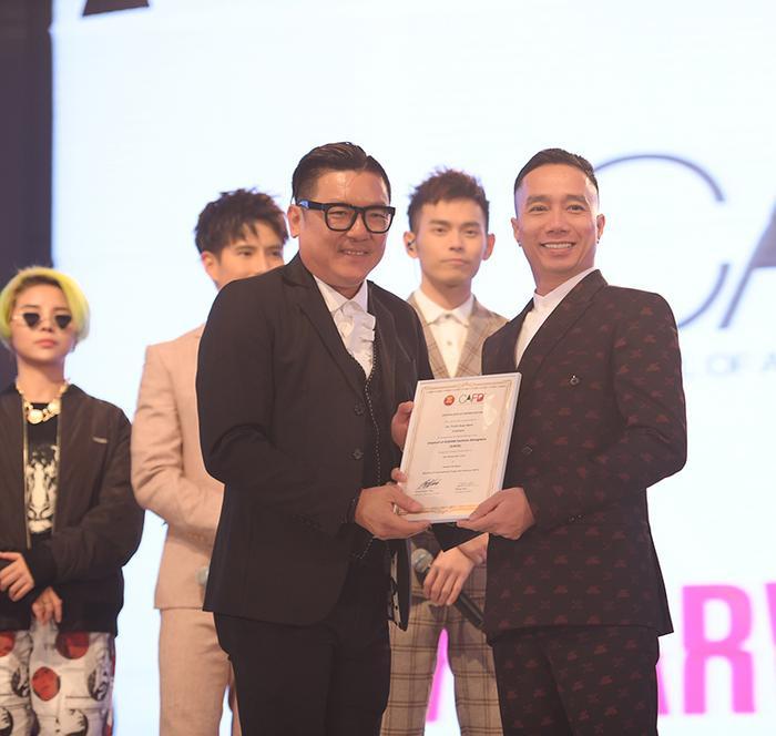 NTK Đỗ Trịnh Hoài Nam vinh dự là một trong những thành viên của Hiệp hội các nhà thiết kế The Council of ASEAN Fashion Designers
