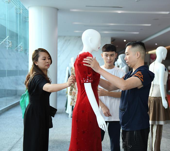 Trong khuôn khổ chương trình CAFD, những thiết kế áo dài của Việt Nam cũng là một điểm nhấn văn hóa nhằm quảng bá áo dài Việt đến bạn bè quốc tế