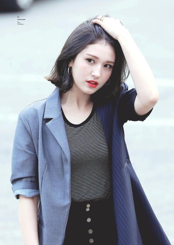 Somi sẽ debut solo vào tháng 3/2019.