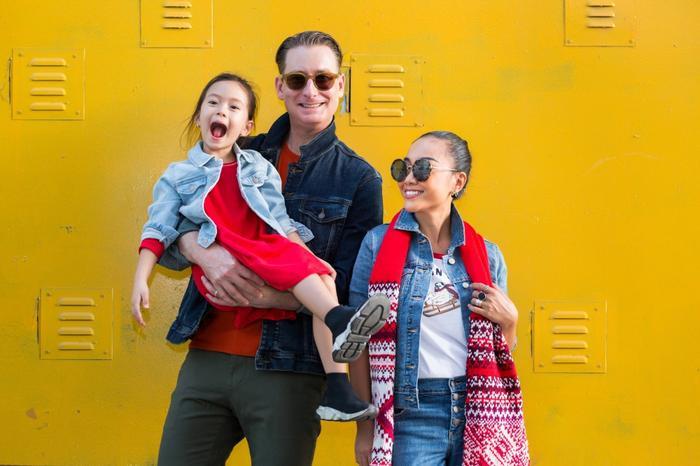 Fan 'lịm tim' khi Đoan Trang khoe ảnh chồng con đẹp lung linh