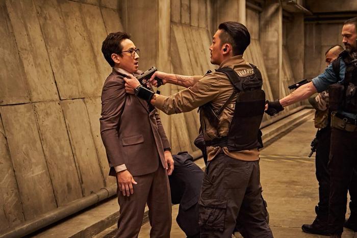 Chưa ra mắt nhưng bom tấn 'Take Point' của tài tử 'Thử thách thần chết' Ha Jung Woo đã được 54 quốc gia mua bản quyền ảnh 7