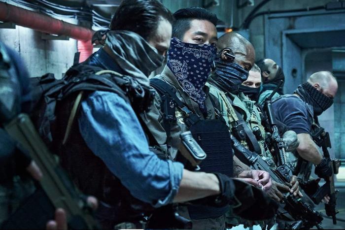 Chưa ra mắt nhưng bom tấn 'Take Point' của tài tử 'Thử thách thần chết' Ha Jung Woo đã được 54 quốc gia mua bản quyền ảnh 6