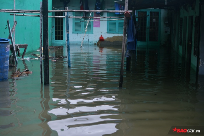 Mực nước nhiều nơi vượt qua nửa mét.