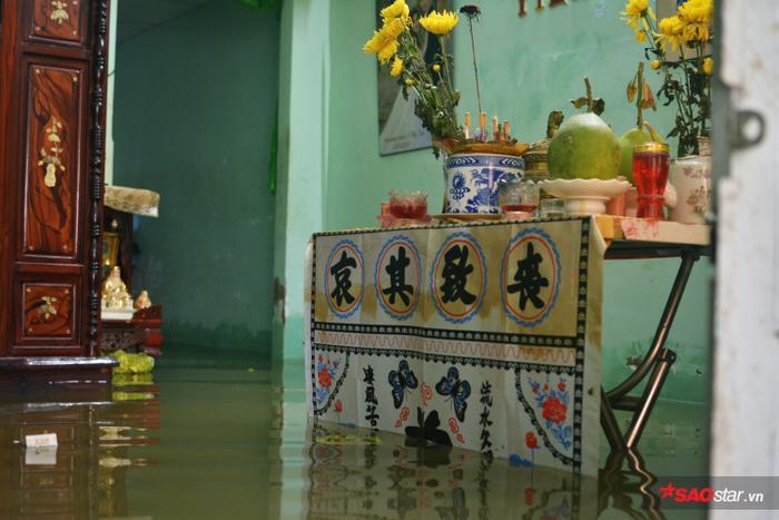 Đa phần bởi các hộ gia đình ở mép sông Sài Gòn.