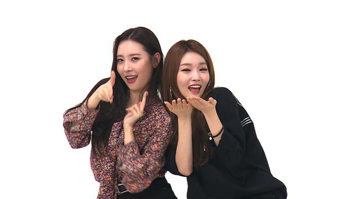Quả không hổ danh cặp chị em thân thiết của K-Pop khi cả hai luôn dành cho nhau những tình cảm đặc biệt.