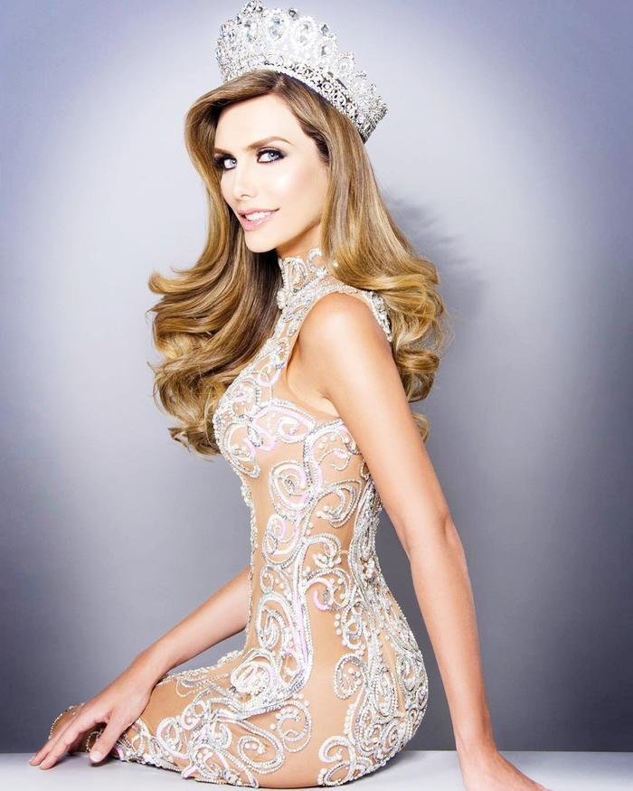 Angela Ponce - mỹ nhân chuyển giới tham gia Miss Universe 2018 gây ra luồng ý kiến trái chiều.