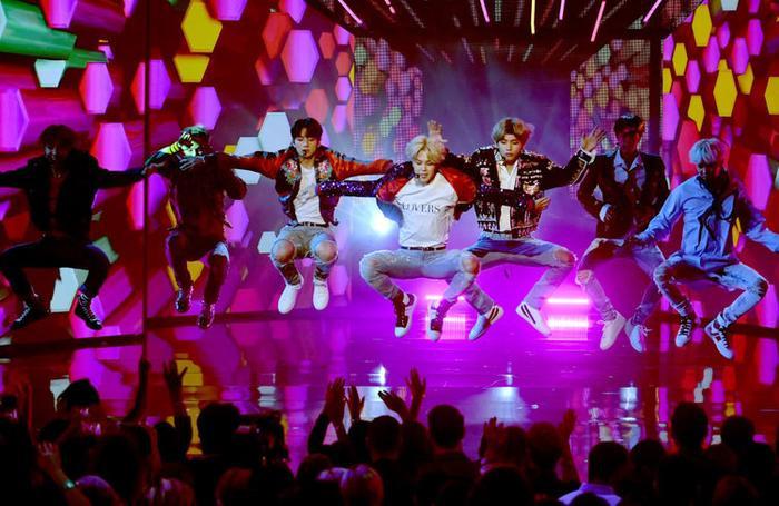Choáng với khoản tiền BTS 'cá kiếm' được sau những tour lưu diễn vòng quanh thế giới