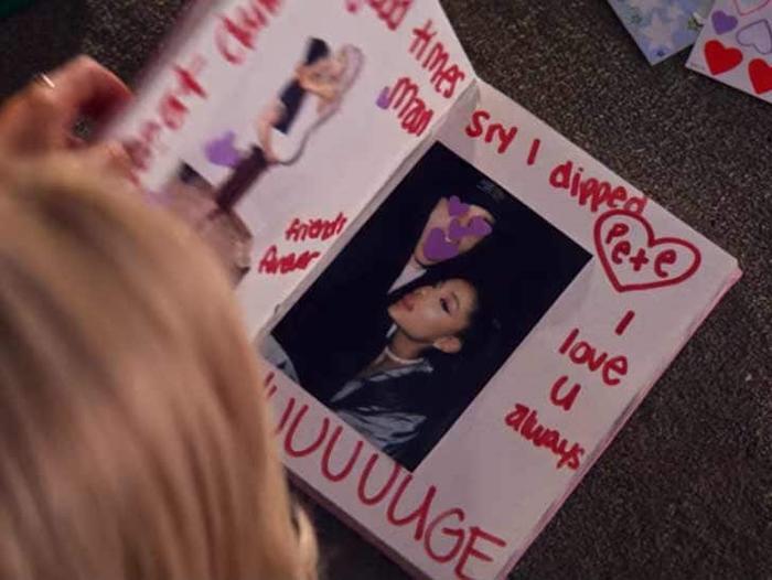 """Ngoài lời bày tỏ tình cảm và câu xin lỗi, Ariana còn viết vào sổ chữ """"huge"""" mang nhiều ngụ ý?"""