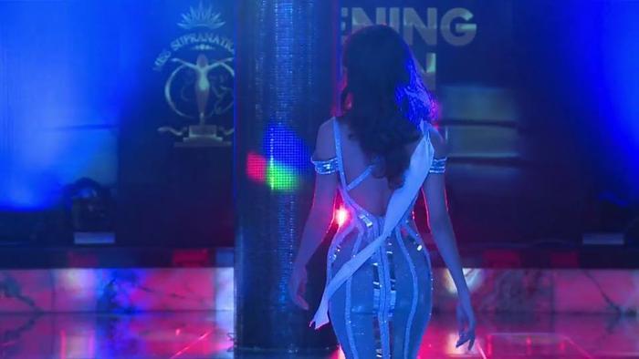 Mặc váy đuôi cá ánh kim, Minh Tú khoe vóc dáng nữ thần ở phần thi Evening Gown ảnh 4